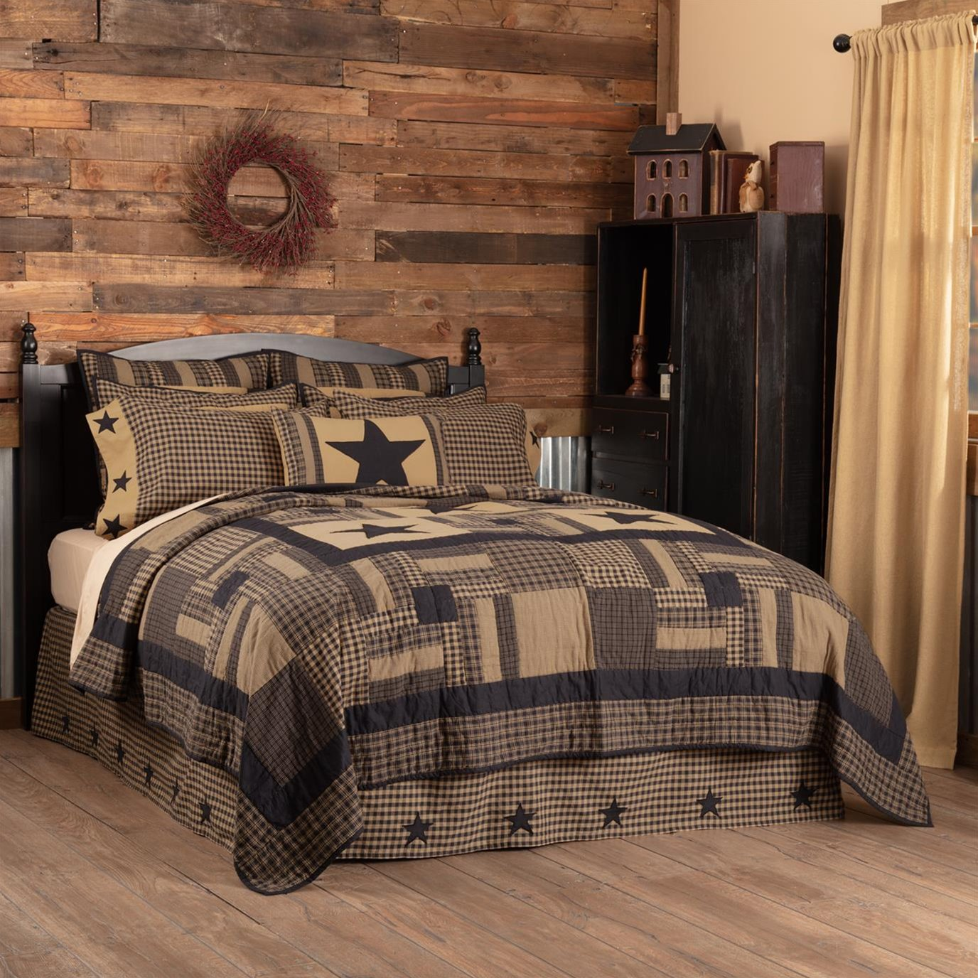Black Check Star King Quilt 105Wx95L
