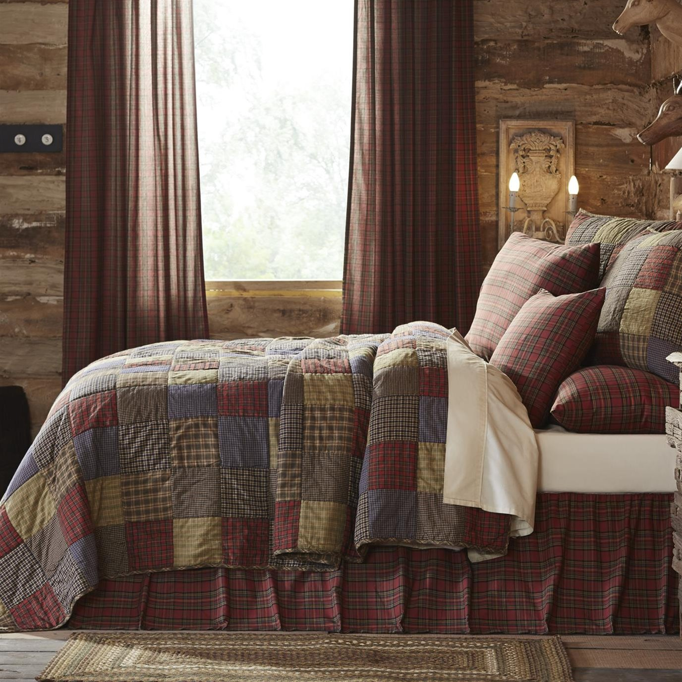 Cedar Ridge California King Set; Quilt 115x130 w/2 Shams 21x37