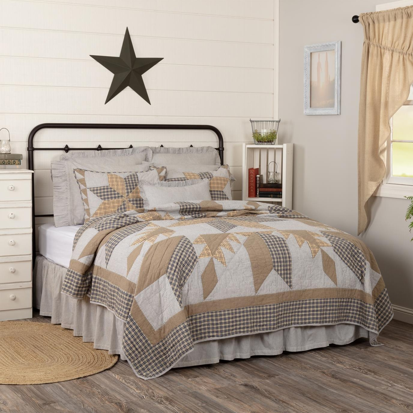 Dakota Star Farmhouse Blue Luxury King Quilt 120Wx105L