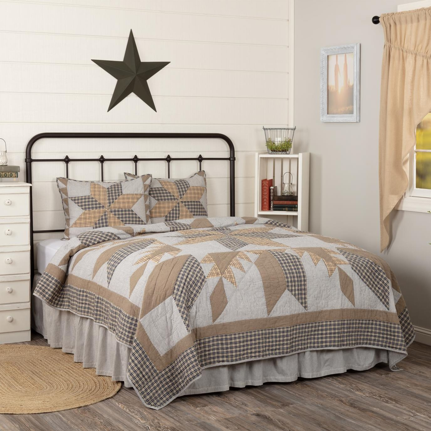 Dakota Star Farmhouse Blue California King Quilt Set; 1-Quilt 130Wx115L w/2 Shams 21x37