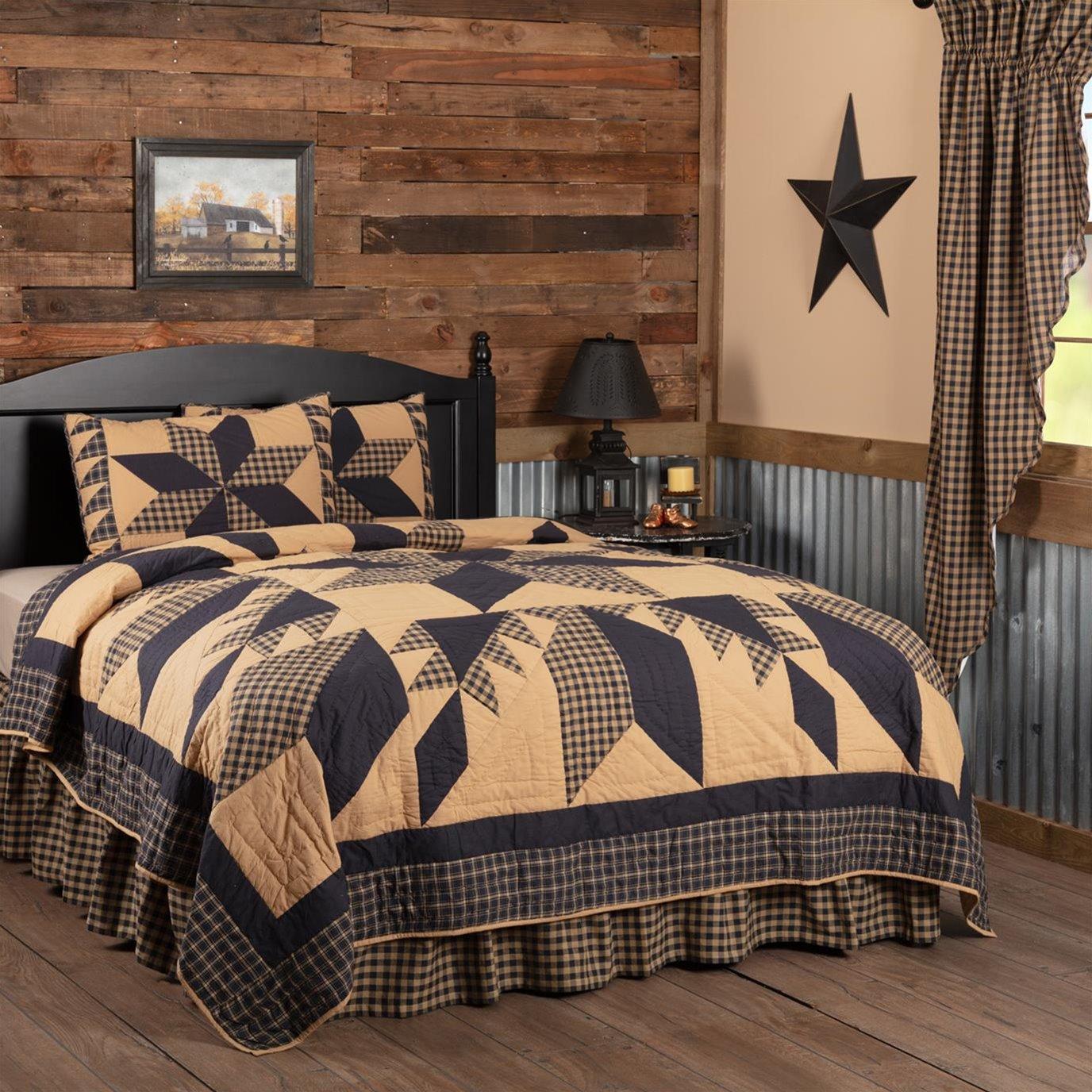 Dakota Star California King Quilt Set; 1-Quilt 130Wx115L w/2 Shams 21x37