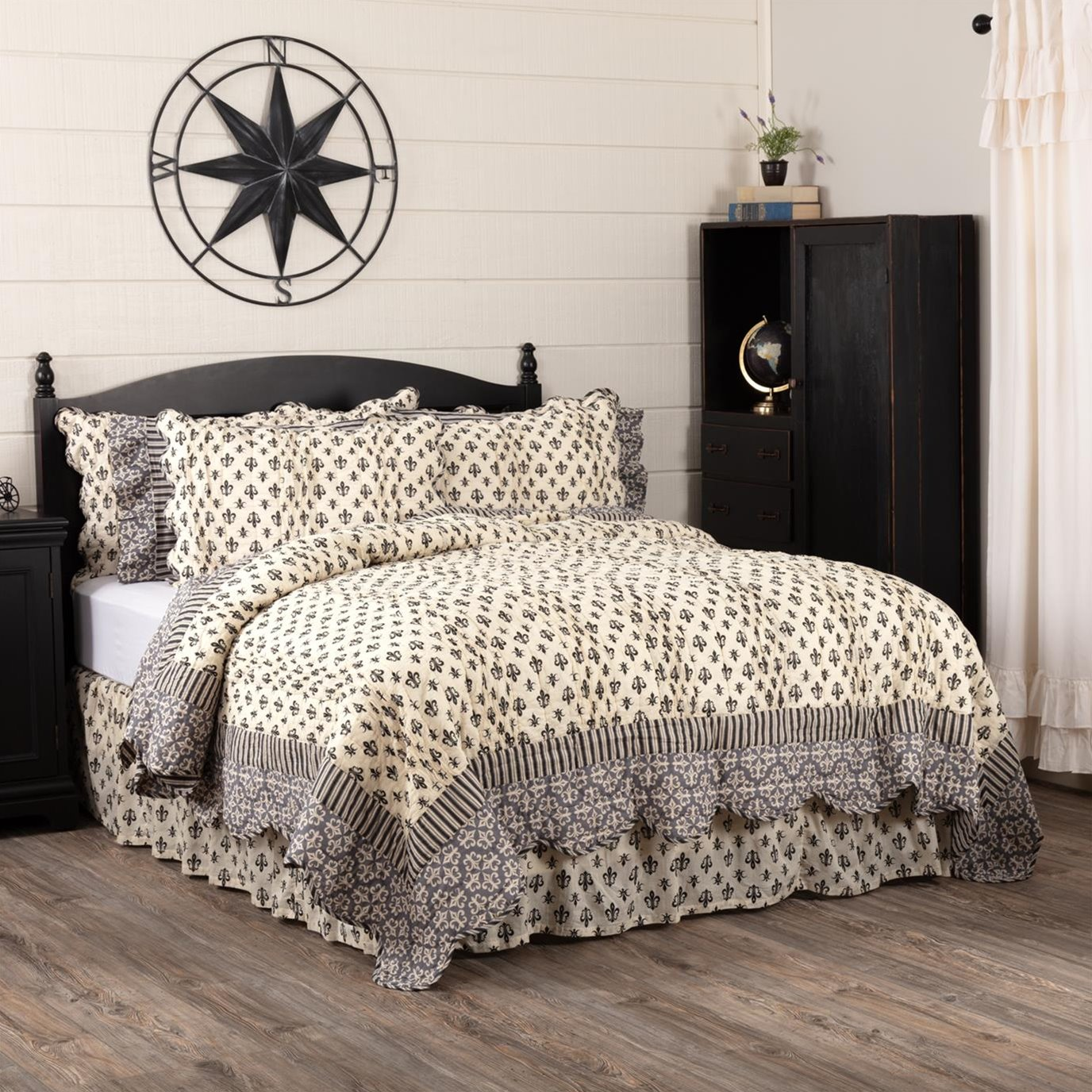 Elysee King Quilt 105Wx95L