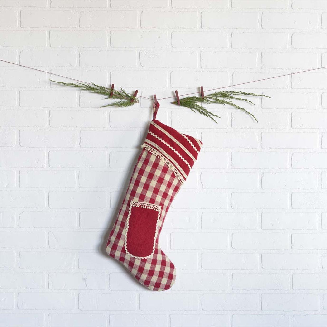 Gretchen Stocking 11x20