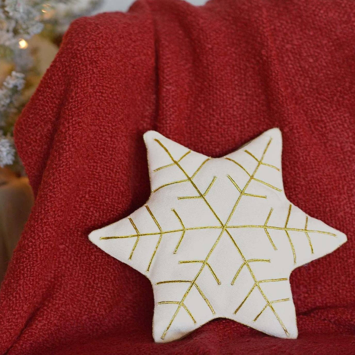 HO HO Holiday Snowflake Pillow 14x12