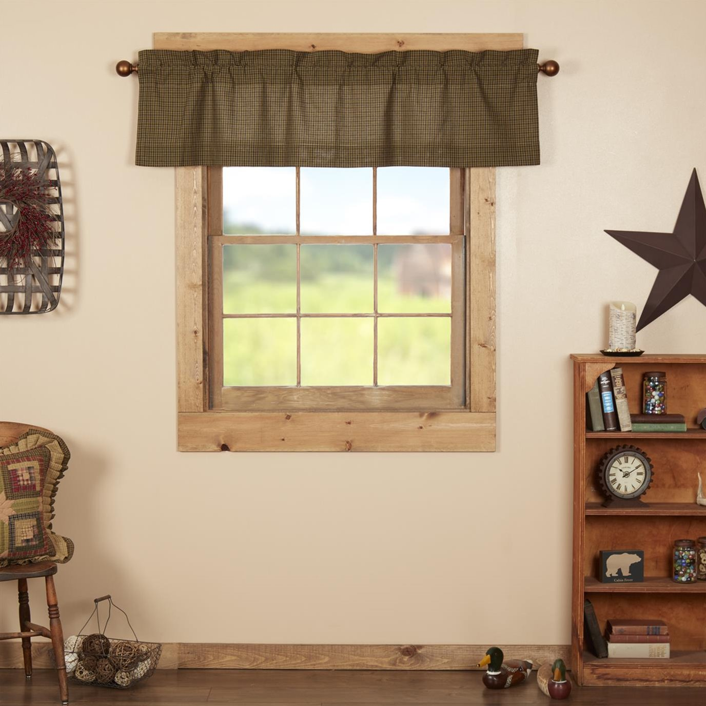 Tea Cabin Green Plaid Valance 16x60