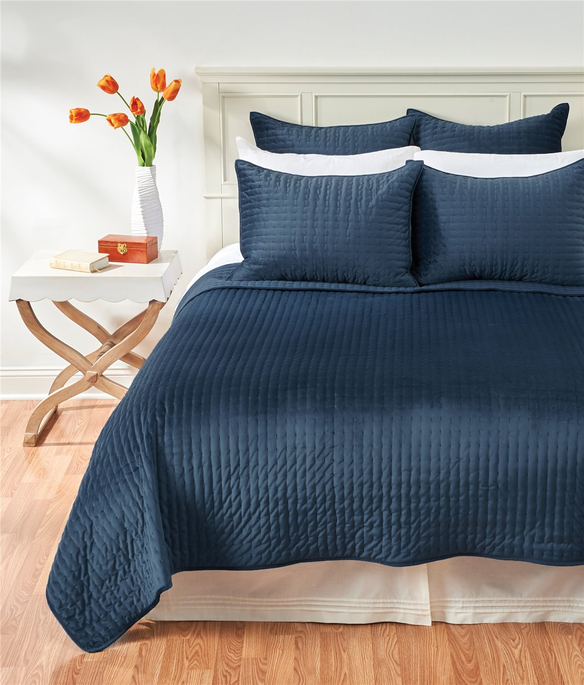 Lapis Velvet Queen Quilt Set