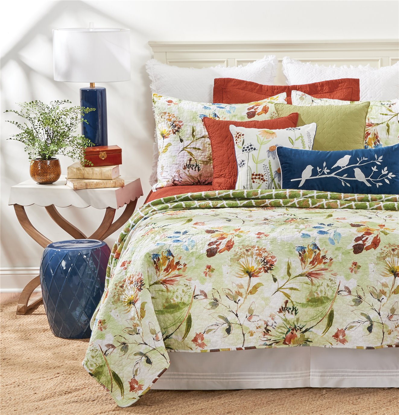 Watercolor Floral Queen Quilt Set