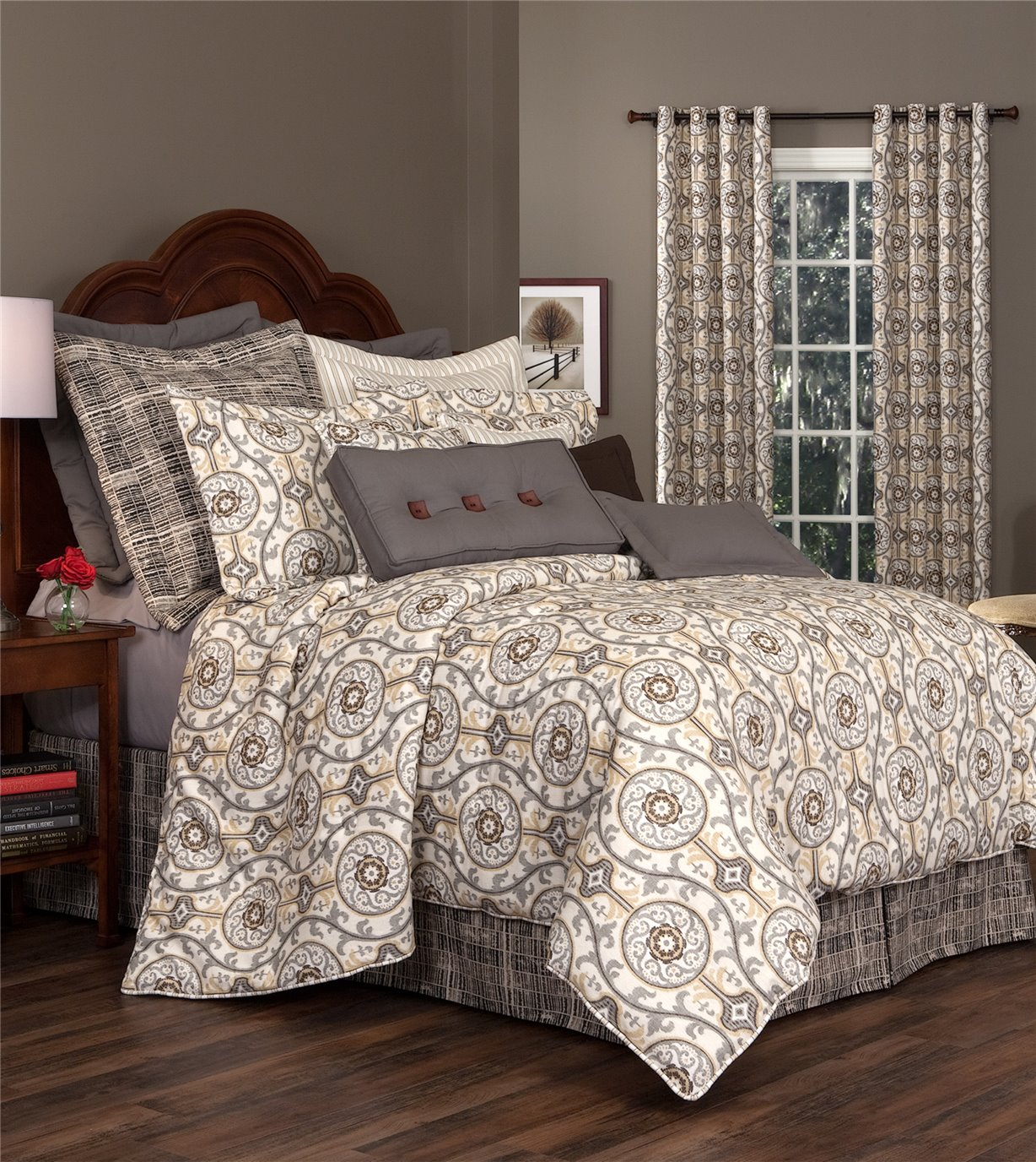 Izmir Queen Thomasville Comforter