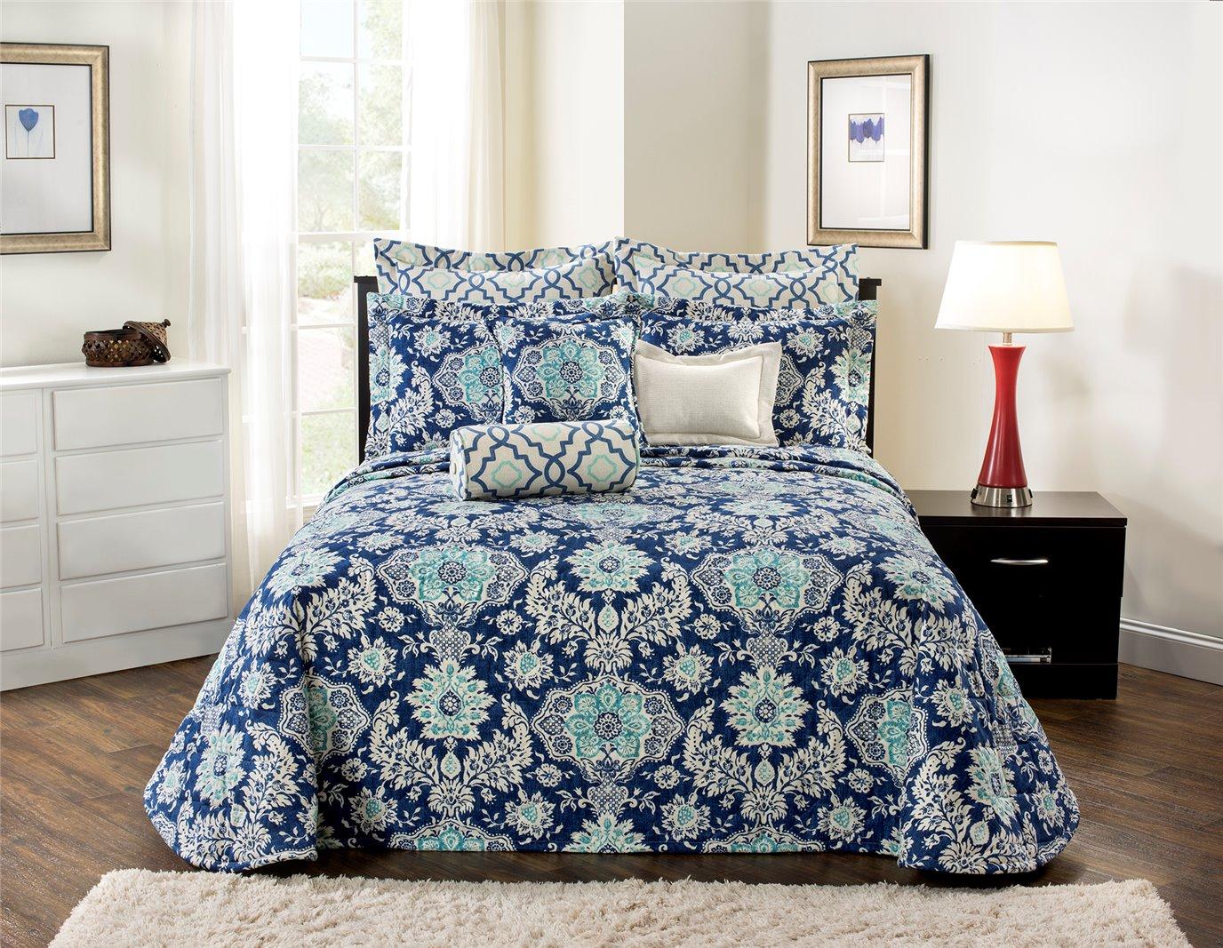 Belmont Harbor Queen Bedspread