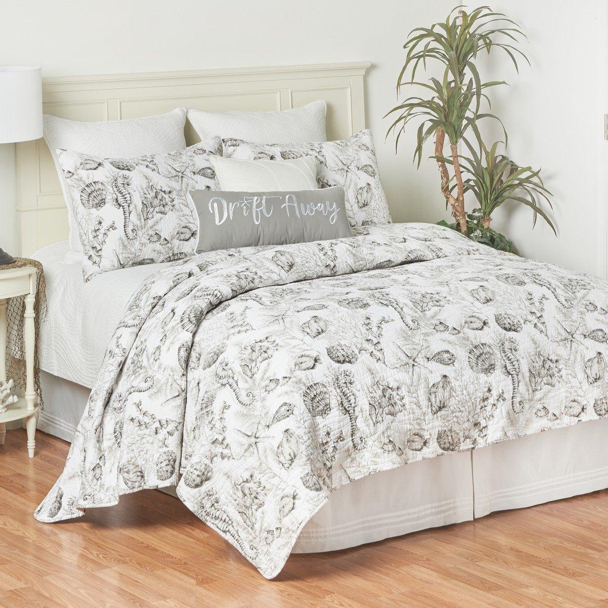 Fenwick Isle Gray Queen Quilt Set