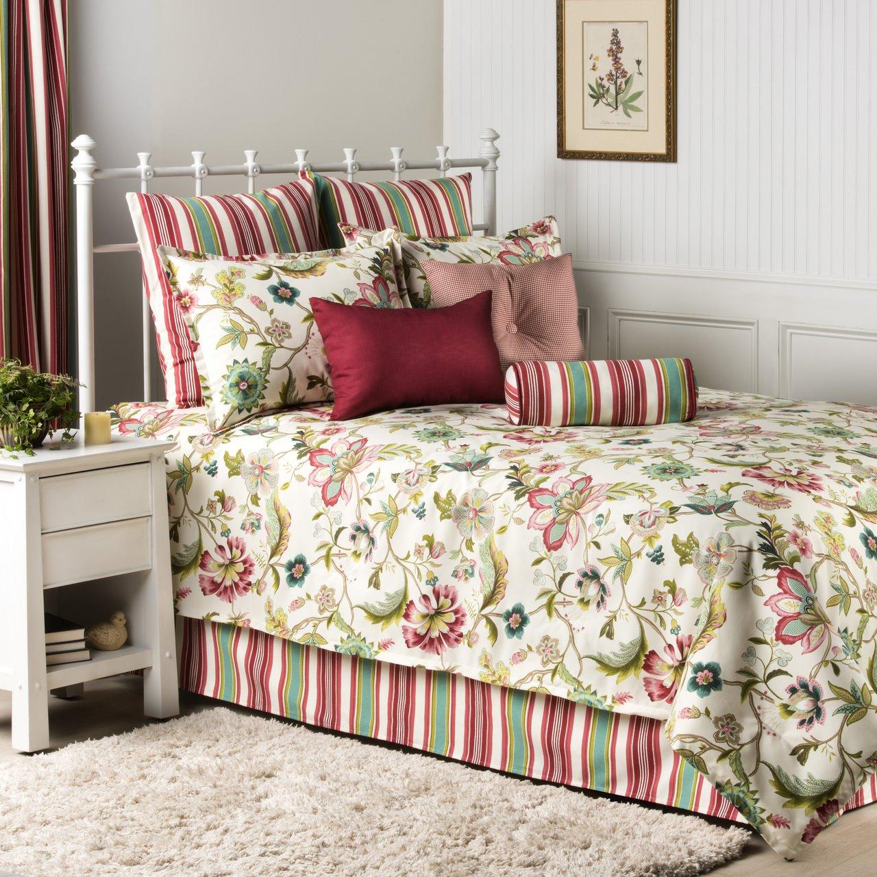 Charleston Queen 3 piece Quilt Set