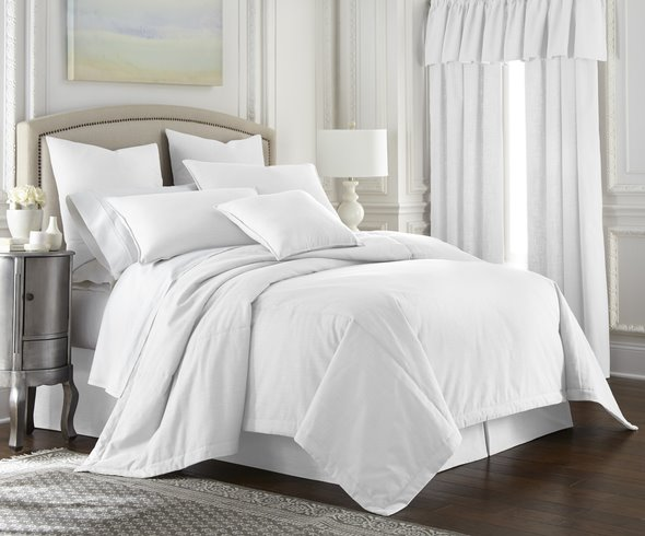 Cambric White Coverlet Queen