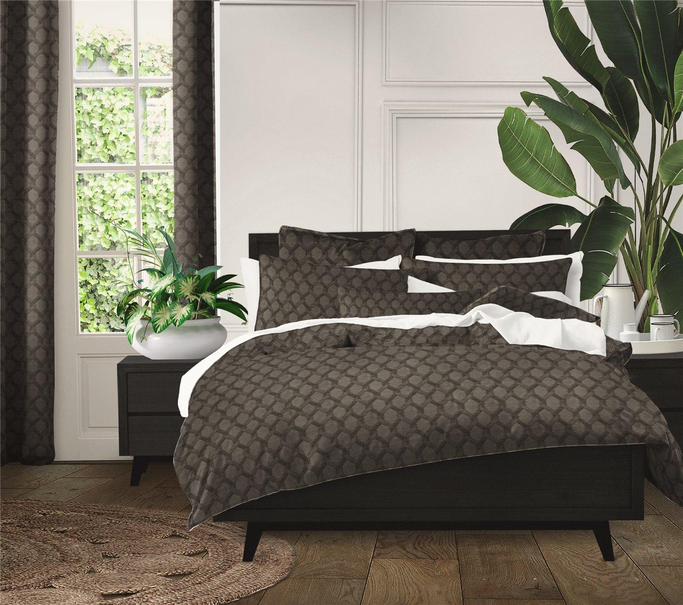 Malden Charcoal Comforter Set - Super King
