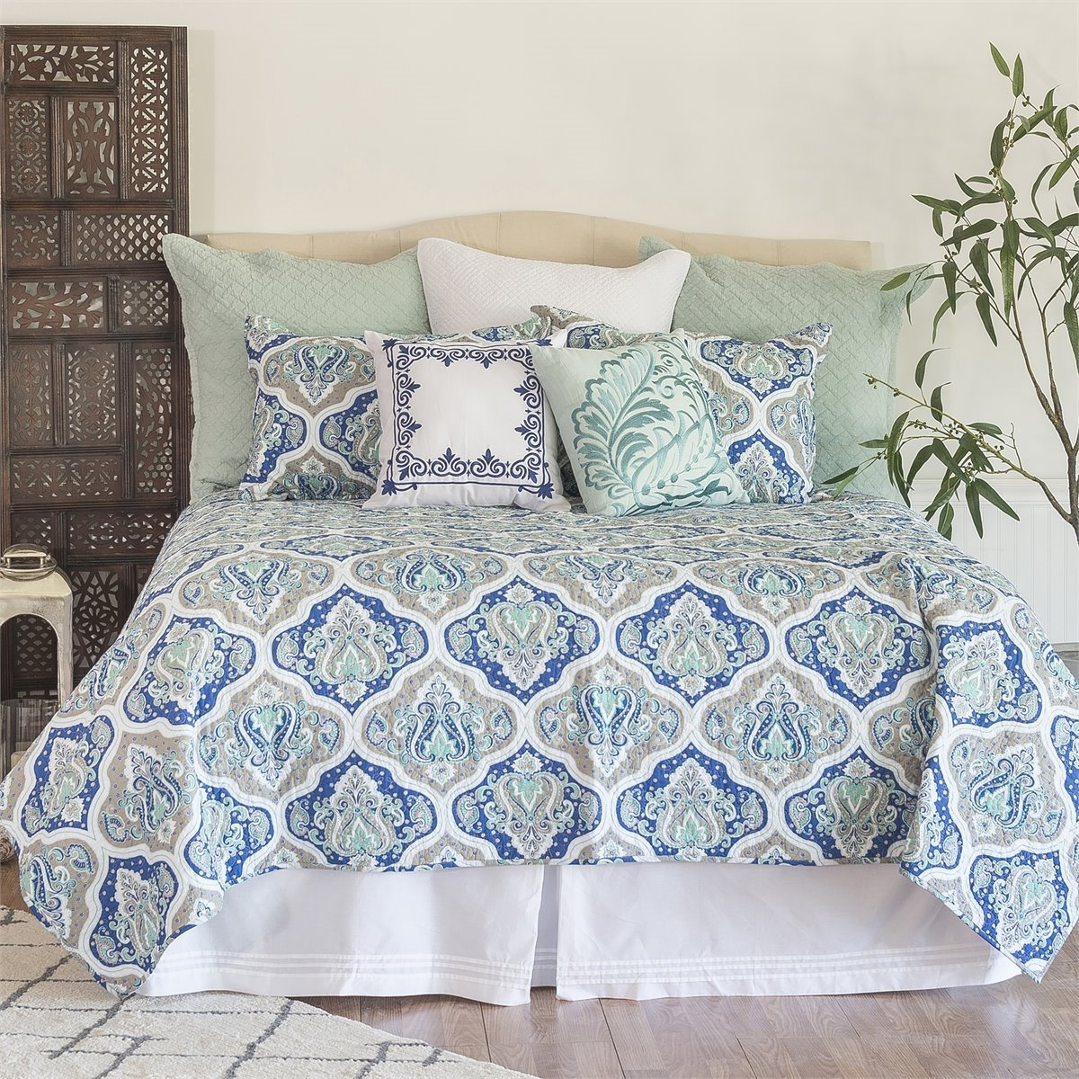 Renee King 3 Piece Quilt Set