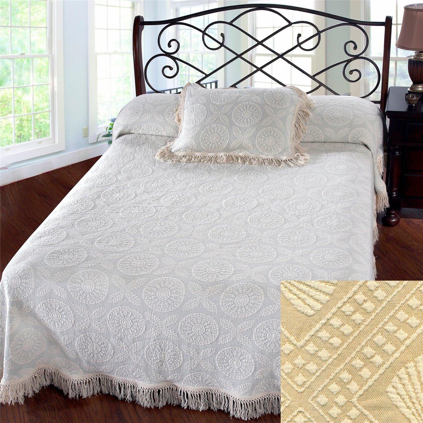 Heirloom Queen Linen Bedspread