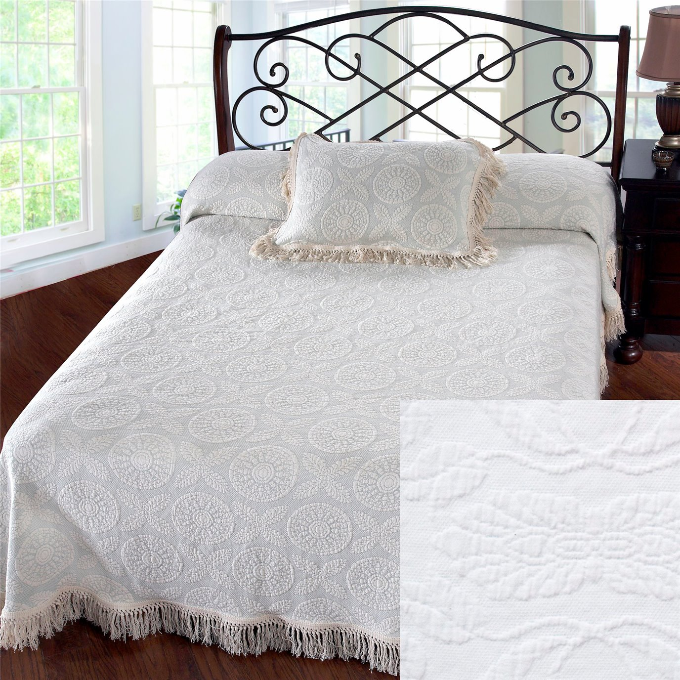 Heirloom Queen White Bedspread