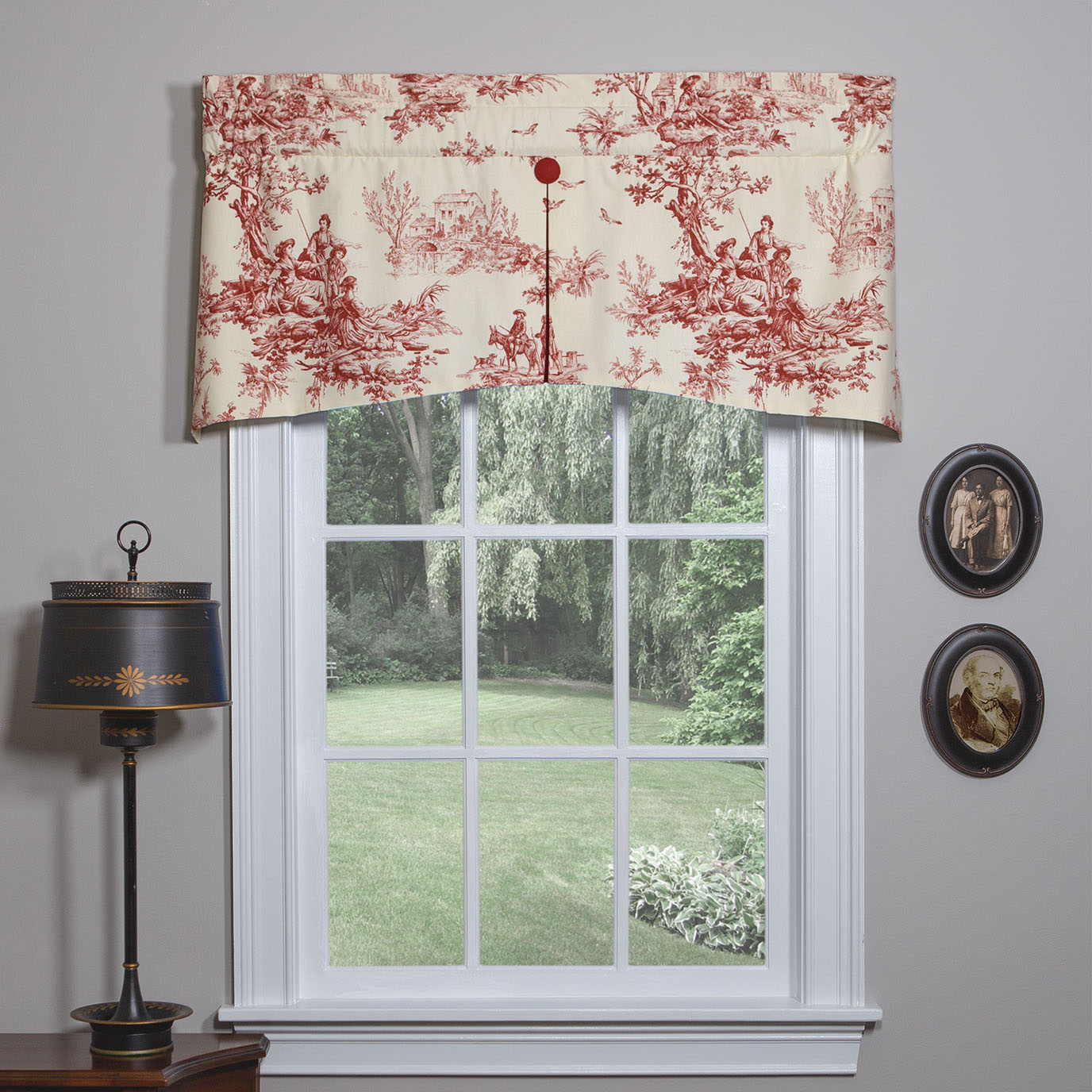 Bouvier Red Center Pleat Valance
