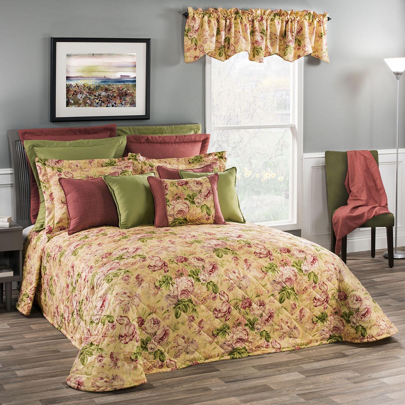 Hepworth Queen Bedspread