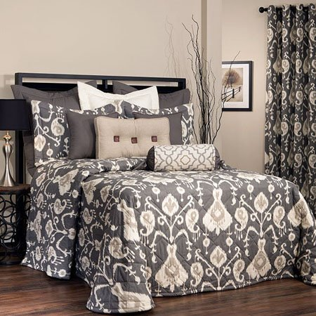 Salazar Queen Thomasville Bedspread