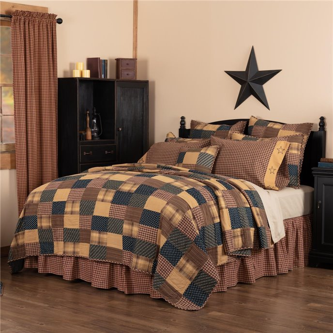 Patriotic Patch Luxury King Quilt 120Wx105L Thumbnail