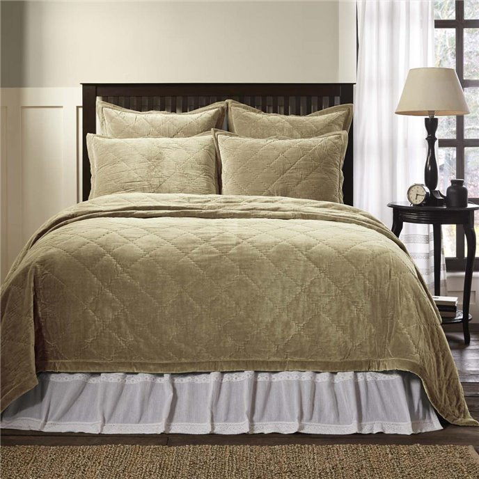 Lydia Taupe Queen Quilt 92Wx92L Thumbnail