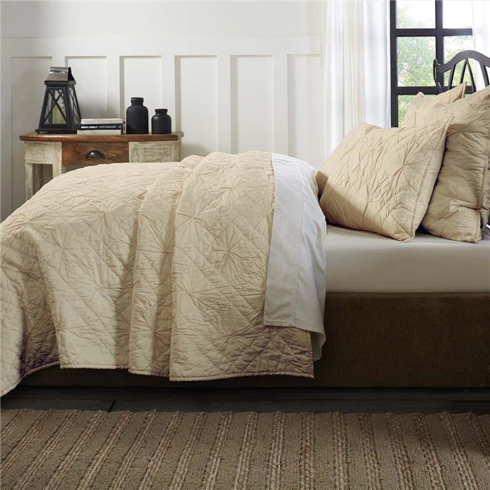 Aubree Taupe Queen Quilt 92Wx92L Thumbnail