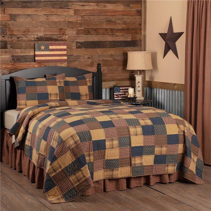 Patriotic Patch King Quilt Set; 1-Quilt 110Wx97L w/2 Shams 21x37 Thumbnail
