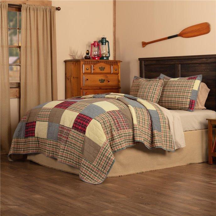 Rustic Plaid Patch King Quilt Set; 1-Quilt 105Wx95L w/2 Shams 21x37, 1-Pillow Cover 18x18 Thumbnail