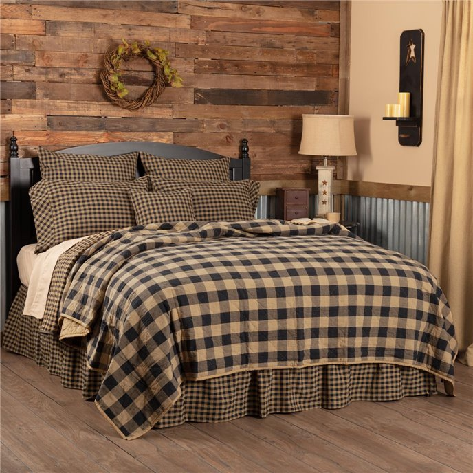 Black Check Queen Quilt Coverlet 90Wx90L Thumbnail