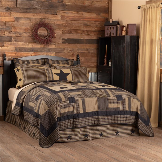 Black Check Star California King Quilt 130Wx115L Thumbnail