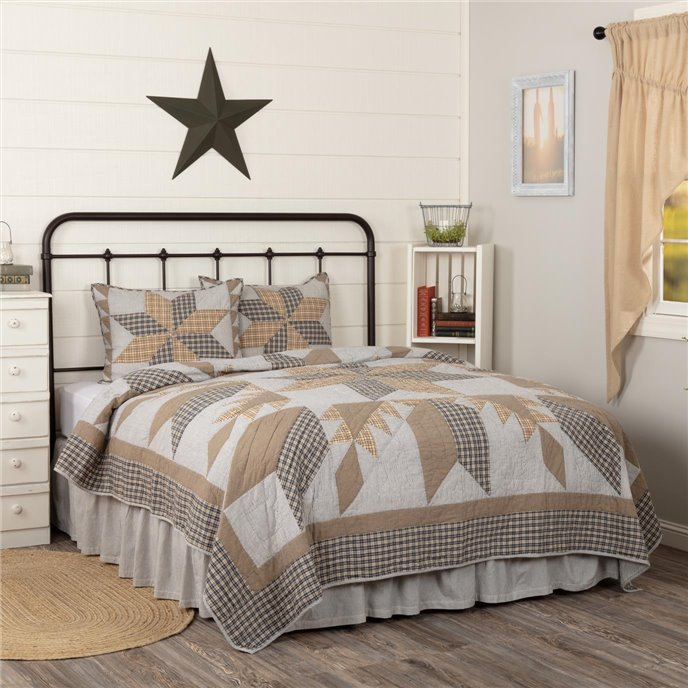 Dakota Star Farmhouse Blue King Quilt Set; 1-Quilt 105Wx95L w/2 Shams 21x37 Thumbnail