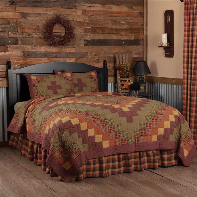 Heritage Farms California King Quilt Set; 1-Quilt 130Wx115L w/2 Shams 21x37 Thumbnail