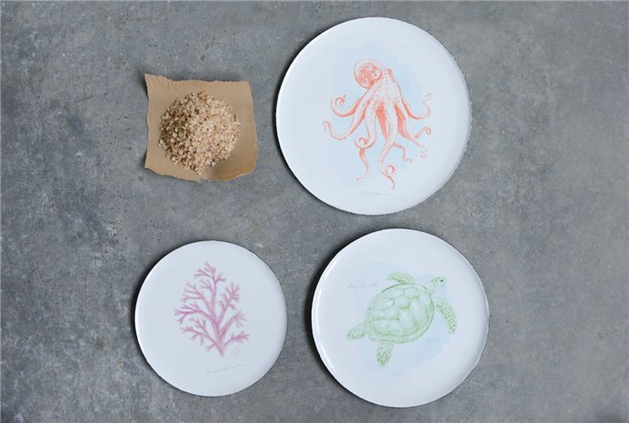 Set of 3 Enameled Tin Plates with Octopus, Turtle & Coral Images Thumbnail