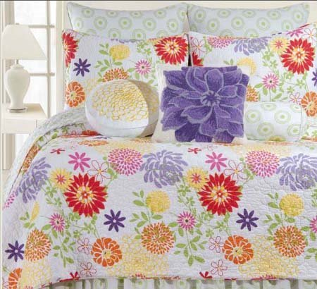 Lilly Twin Quilt Thumbnail