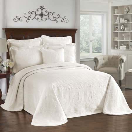 King Charles Matelasse Ivory Queen Bedspread Thumbnail