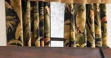 La Selva Black Lined Tailored Panels Thumbnail