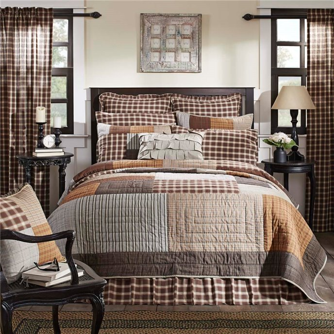 Rory Luxury King Quilt Thumbnail
